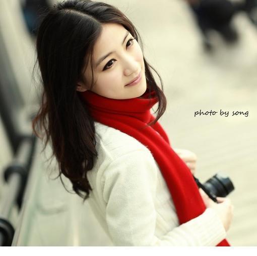 超养眼MM漂亮红围巾气质淑女 图片_hao123网