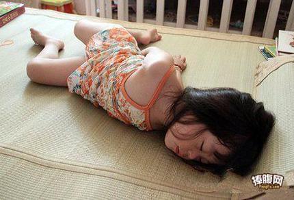 孩子你睡得太屌了